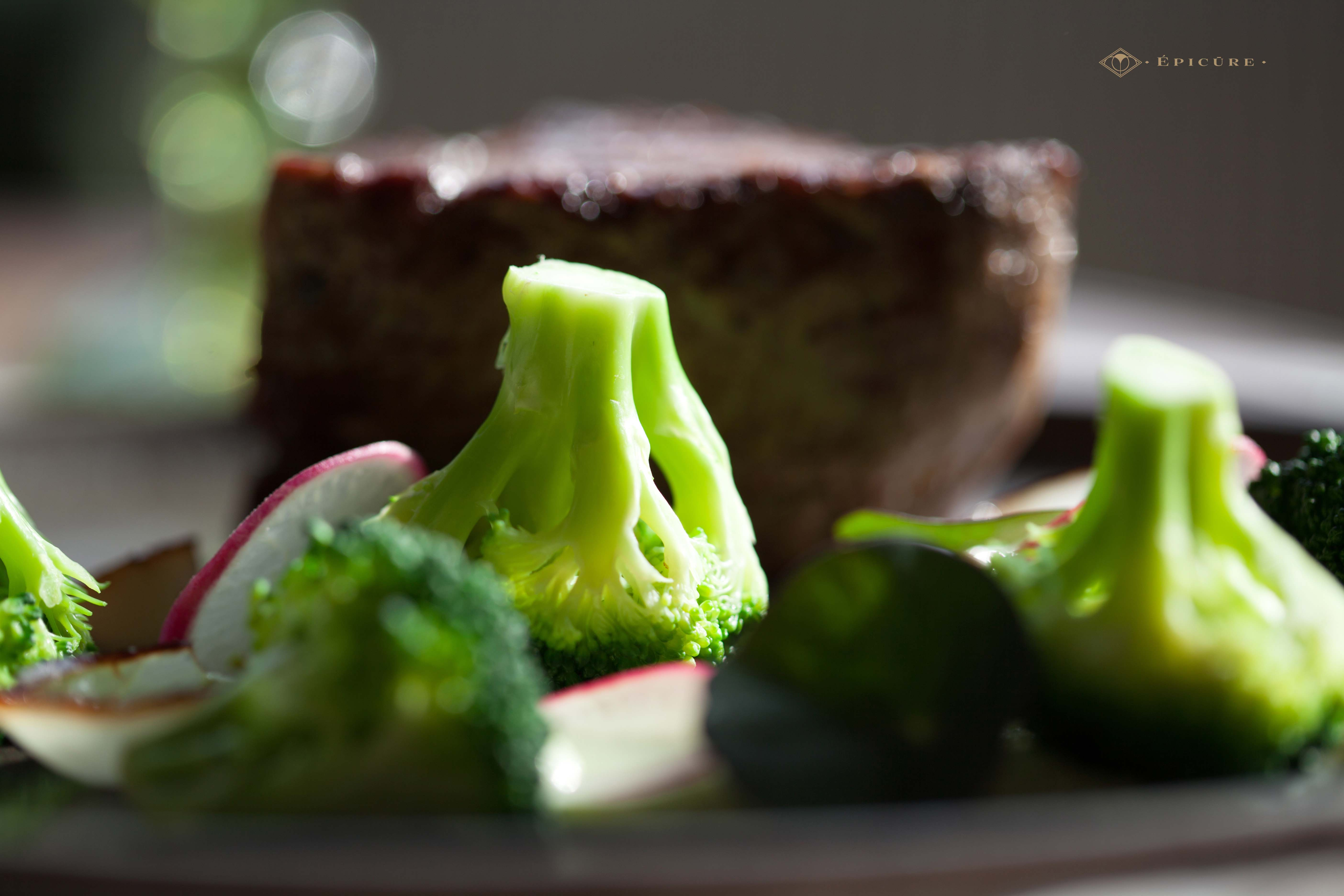 Beef filet with broccoli textures